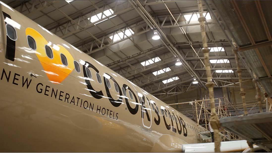 "Thomas Cook ""I love Cooks Club"" fuselage reveal shot"