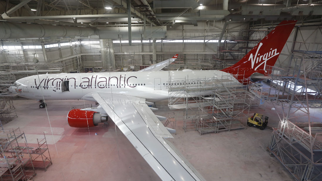"""Virgin Atlantic """"Daydream Believer"""" Wide of Plane Finish by Airline Time-lapses"""